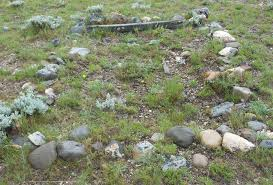 grave with stones